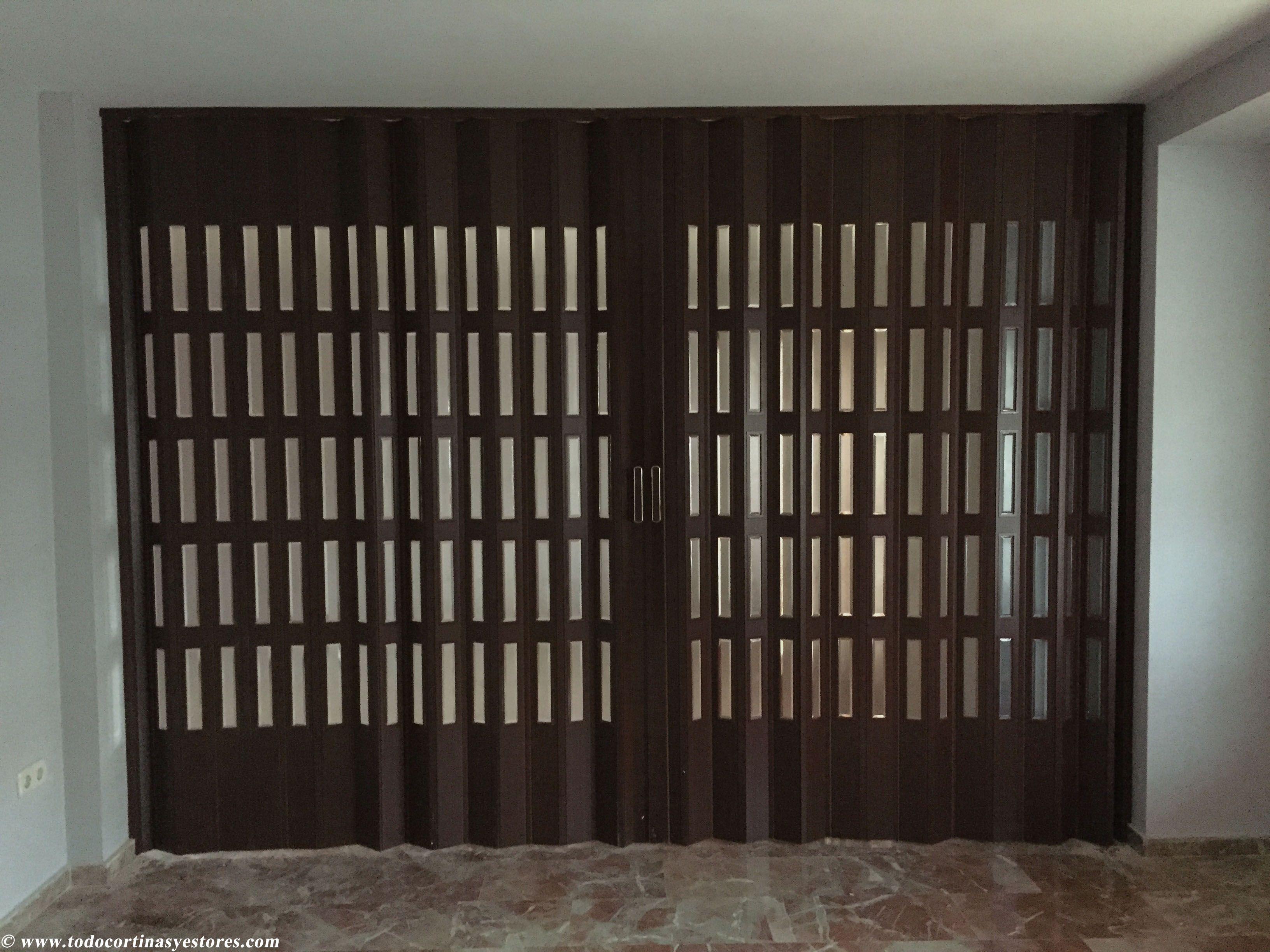 Puertas plegables barcelona perfect cristaleria en - Puertas madera barcelona ...