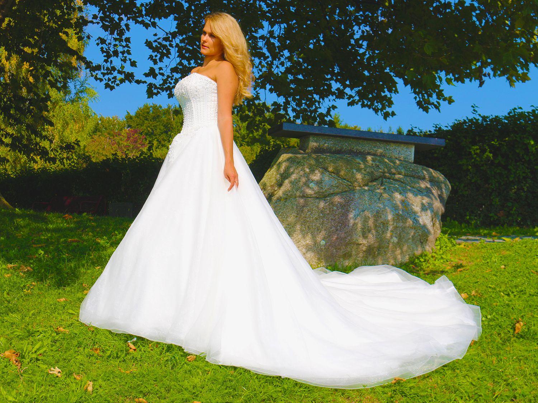 Luxus Brautkleid Hochzeitskleid NEU Braut Spitze Brautkleider ...