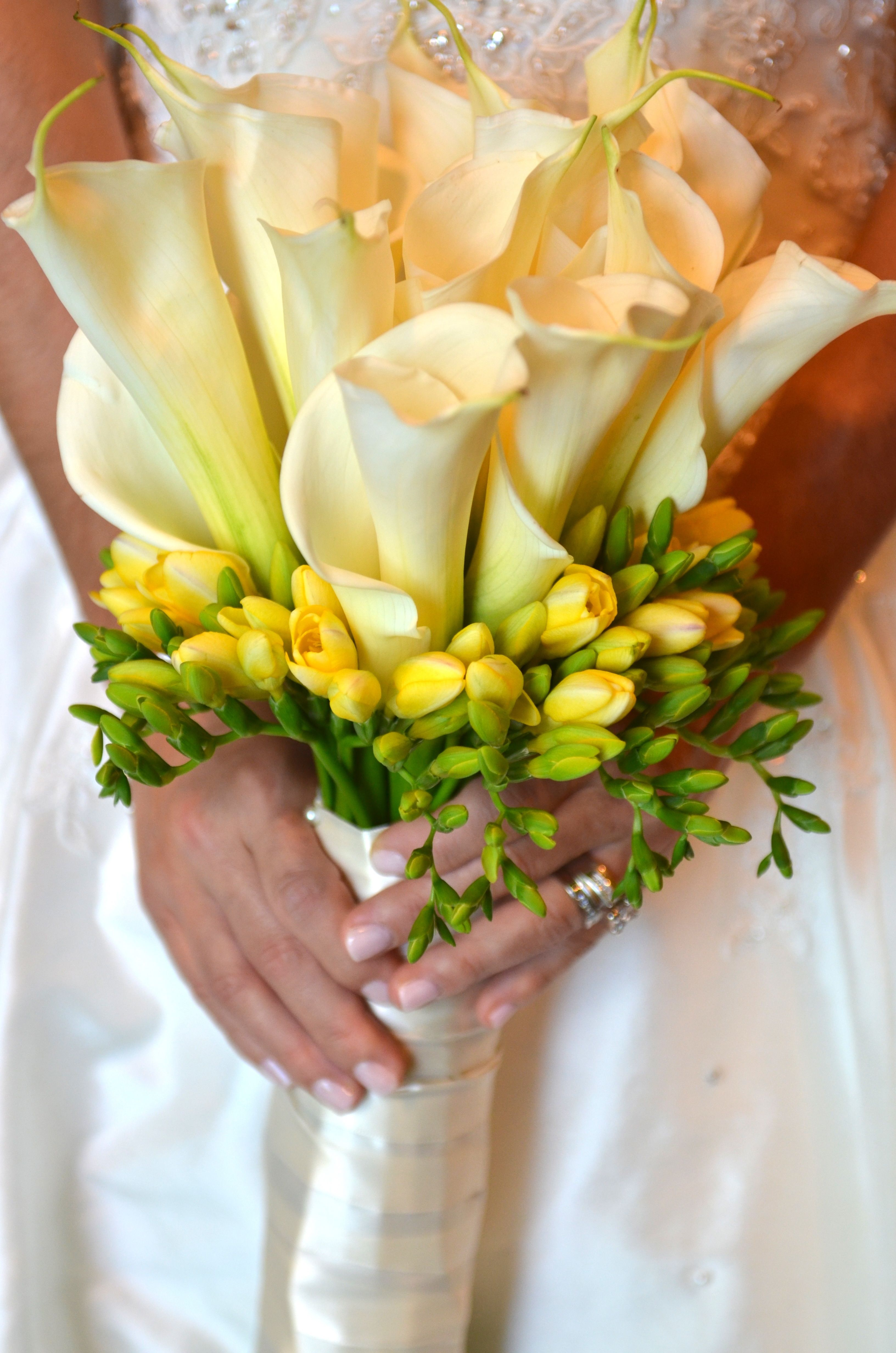 Bridal Bouquet With Full Size Calla Lilies And Yellow Freesia Twigs Branches Floral Www Calla Lily Bouquet Wedding Calla Lily Beach Wedding Decorations Diy