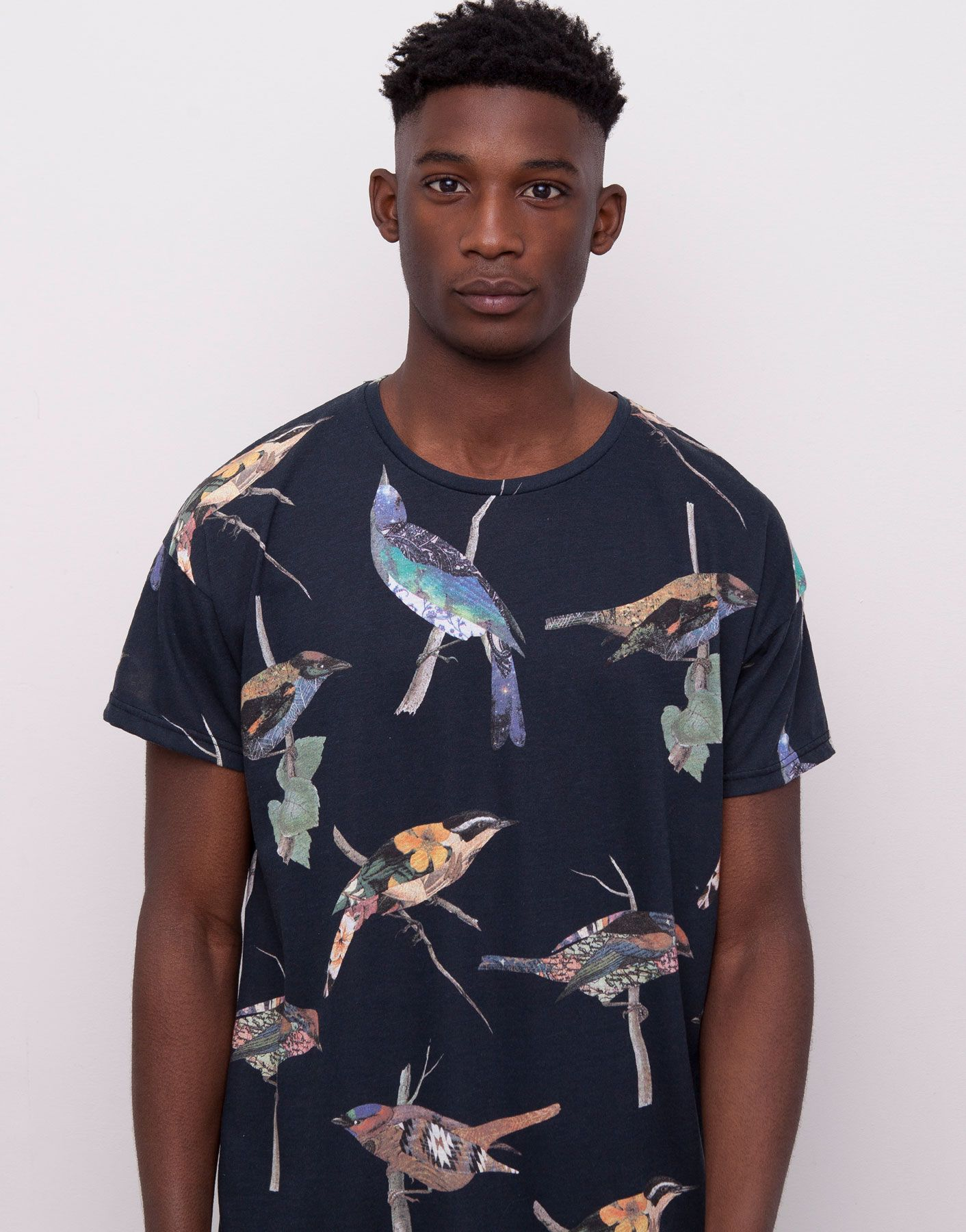 045c71aa36e06 T-SHIRT WITH AN ALL-OVER BIRDS PRINT - T-SHIRTS - MAN - PULL BEAR Germany