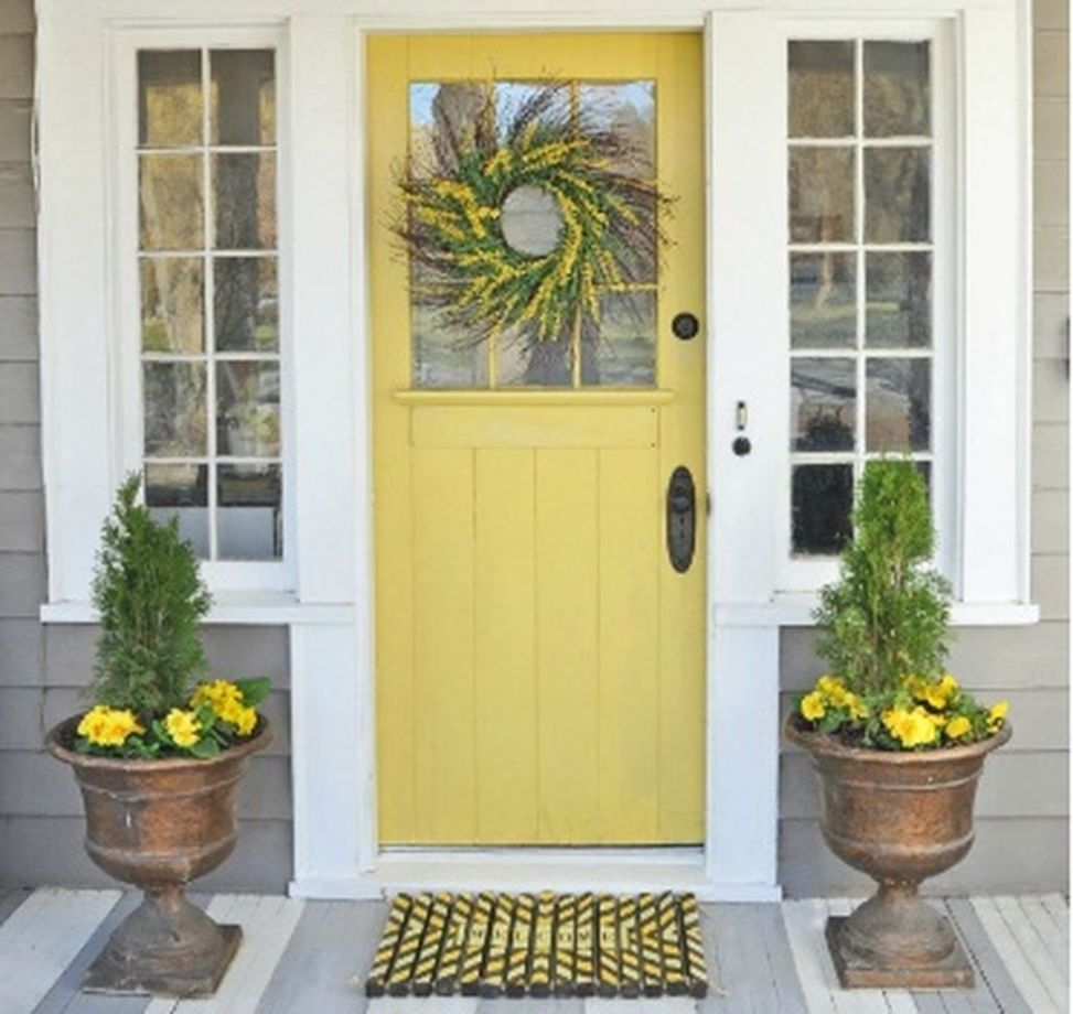 Awesome front door farmhouse entrance decorating ideas 13