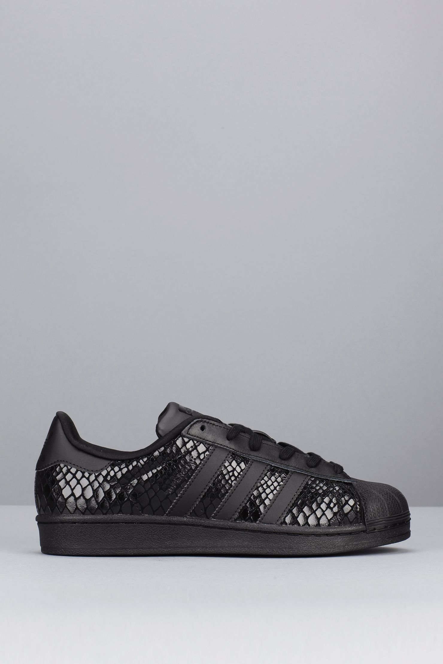 superstar noir reptile