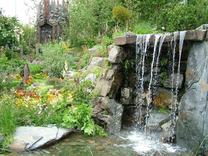 wasserfall im garten wasser pflanzen gartendeko ideen Gartenteich