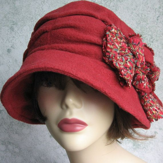 CLASSIC WOMEN/'S POLAR FLEECE WINTER HAT WITH ROLLED BRIM med