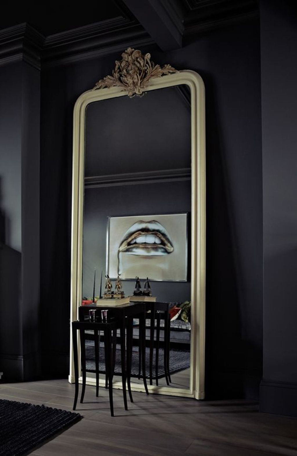 10+ Best Oversized Mirrors For Living Room