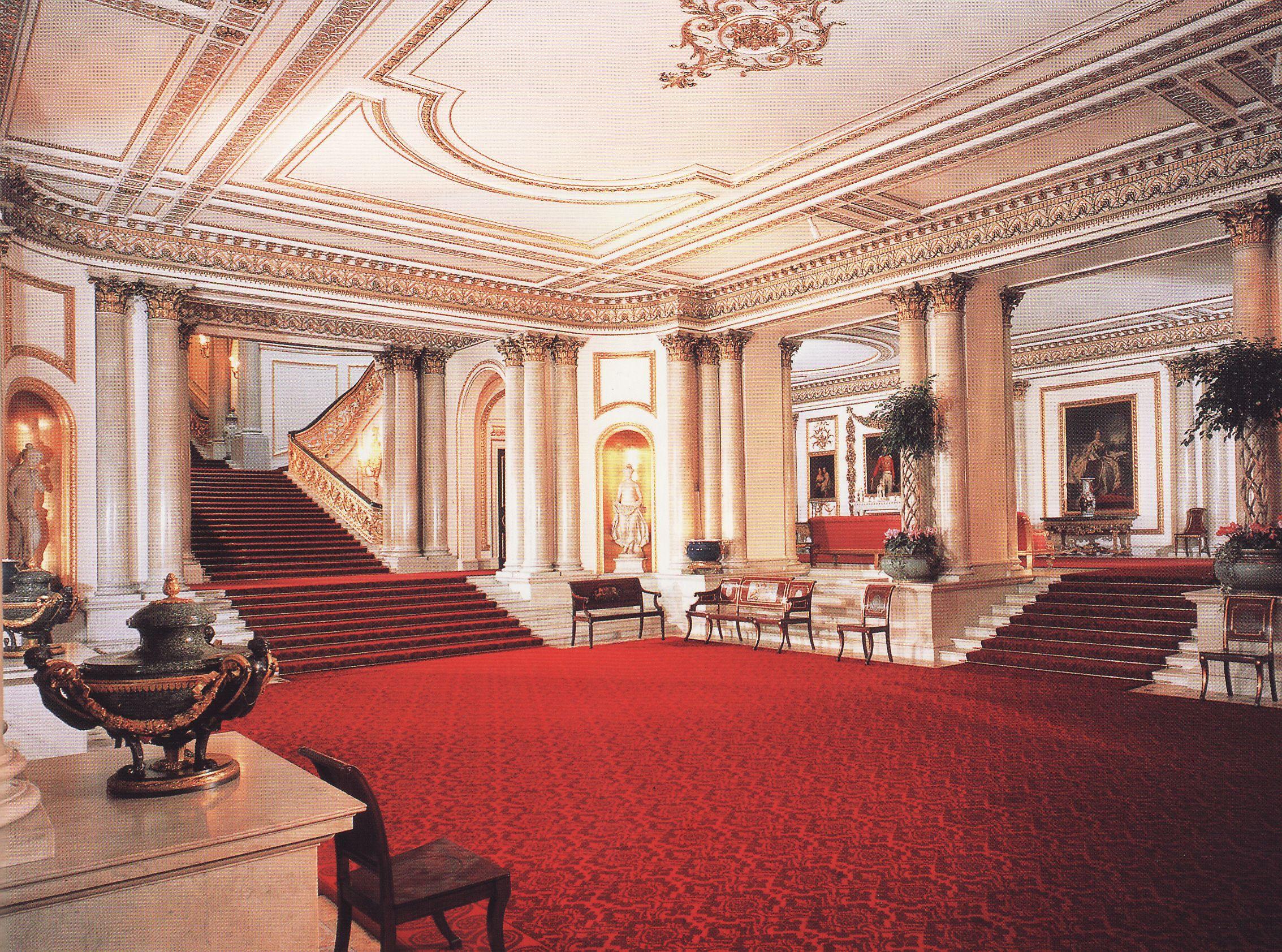 Tabulous Design: Fashioning A Reign & Buckingham Palace: A ...