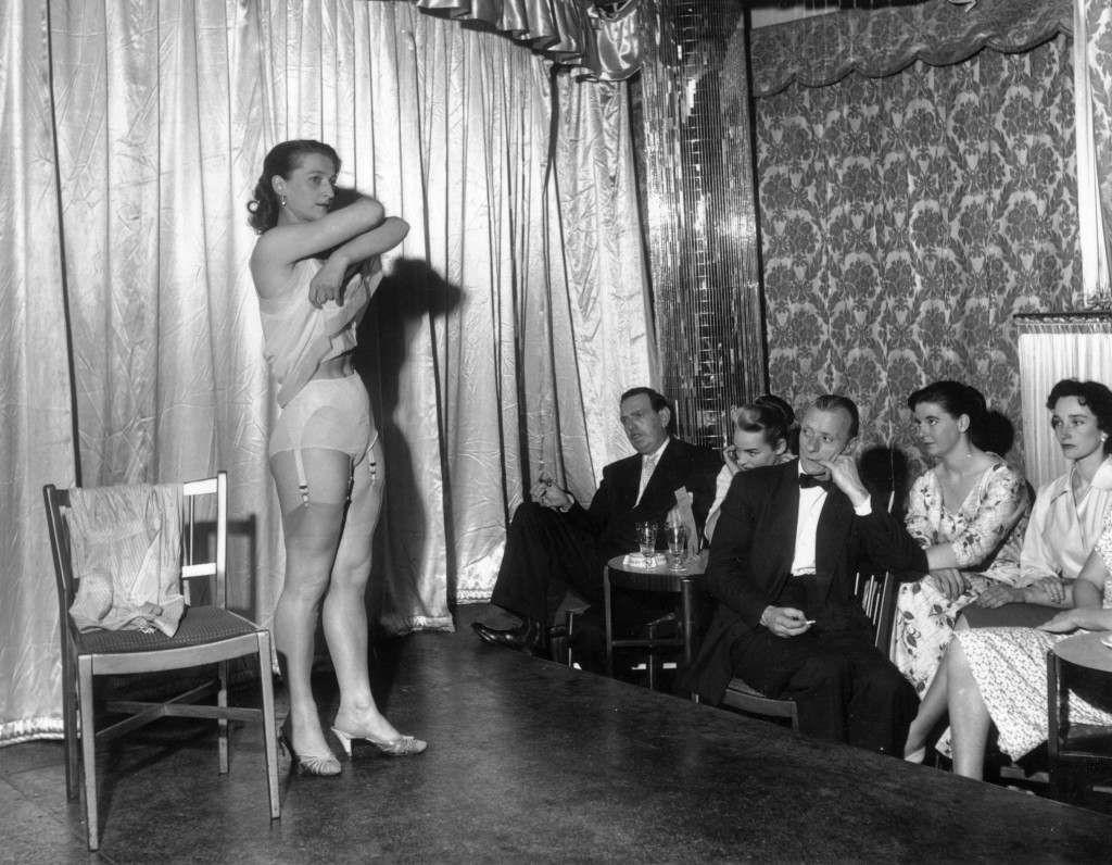 Amateur stripping contest