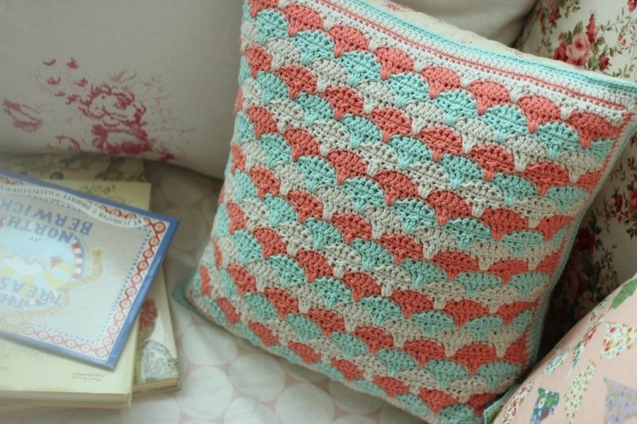 Pin de moris sadu en cojines pinterest ganchillo for Decoracion hogar a crochet