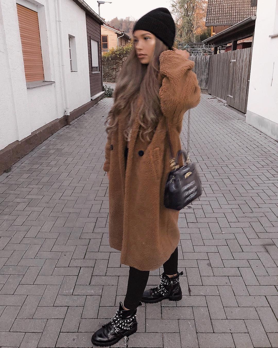 "07d7b7bb3fc3 SHARLINE DAVIDSEN on Instagram: ""teddy coat love 🐻🍂 #blurred ..."