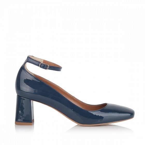 """KACHOROVSKA / fall 2016 blue-patent-leather-mid-heel-""""duckies""""-with-anckle-strap"""