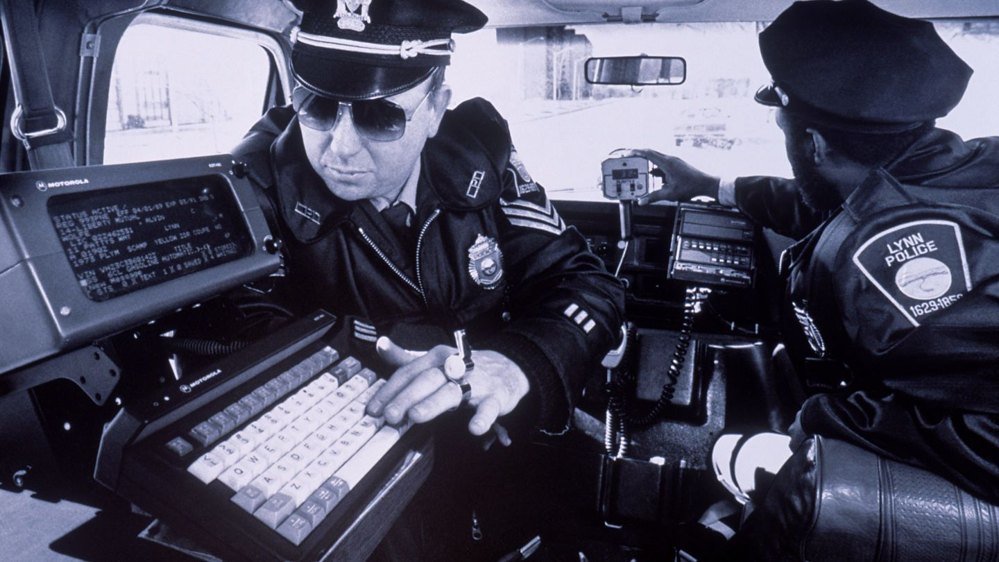 We Asked A Cop How Police Really Use Social Media To Solve