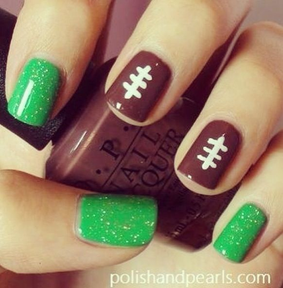 Football nails I CANNOT WAIT FOR FOOTBALL SEASON!!! Since my school colors are blue and gold, (Go Longhorns!) I could see the index finger being blue and the pinky being gold, and a little Longhorn on the thumb? Maybe, or dress up the green some by putting yard line markers!