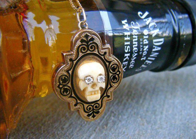 My Jewel Box: Victorian skull necklace w diamond eyes