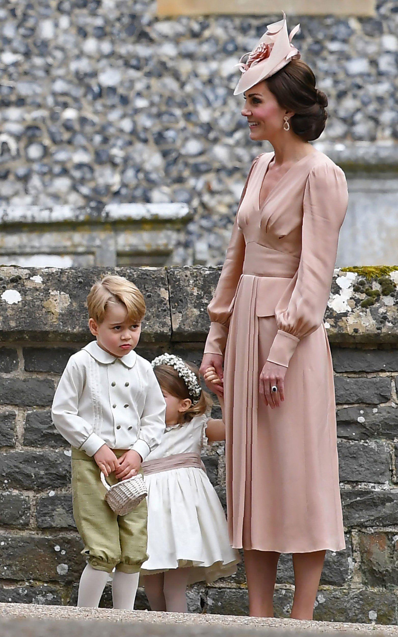 Kate Middleton Wears Alexander Mcqueen To Pippa Middleton S