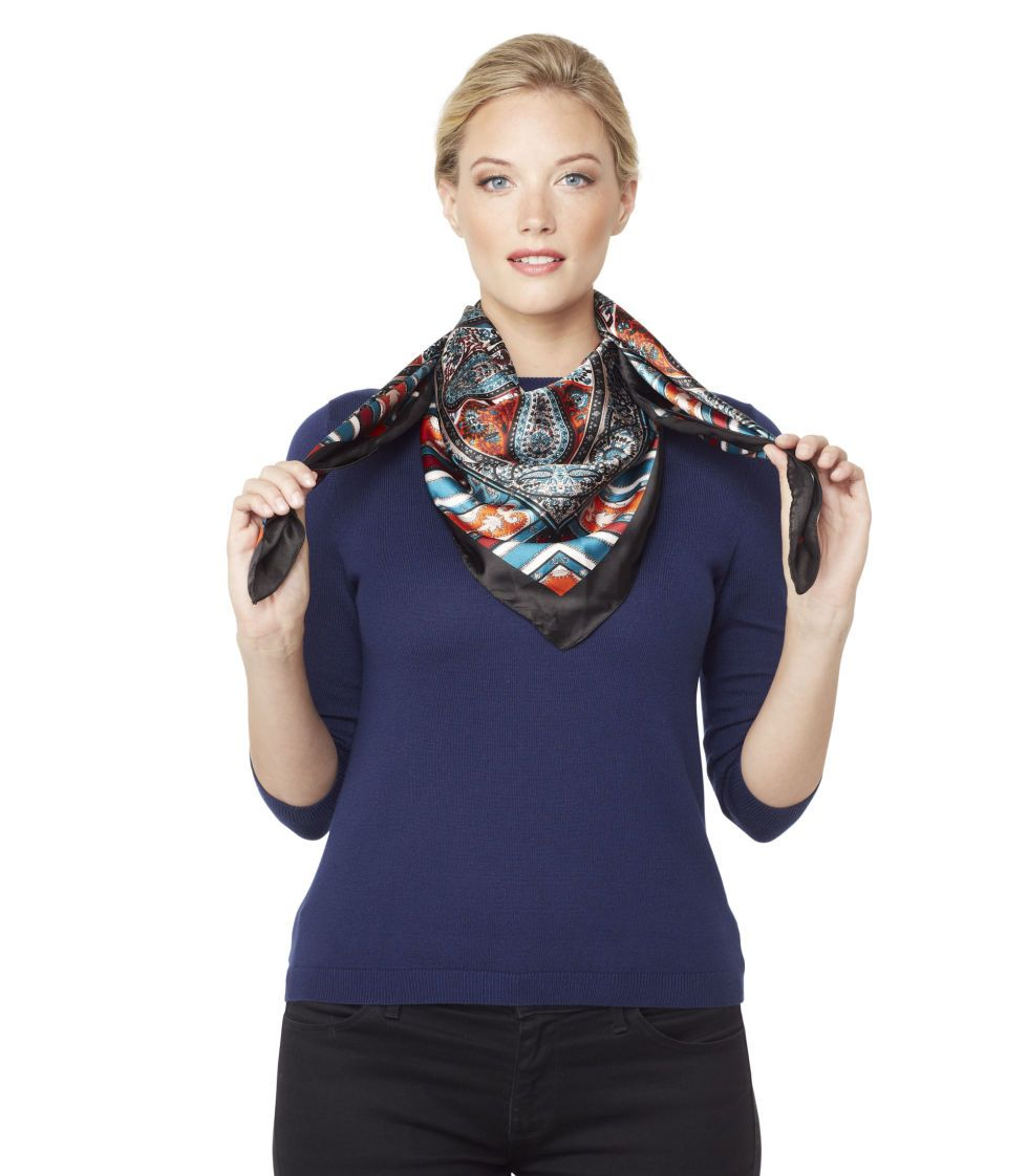 4 Step-by-Step Ways to Wear Your Favorite Scarf