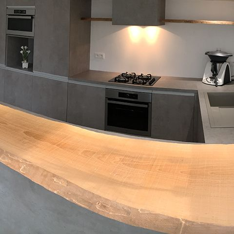 focus sur un plan de travail en bois brut une cr ation. Black Bedroom Furniture Sets. Home Design Ideas