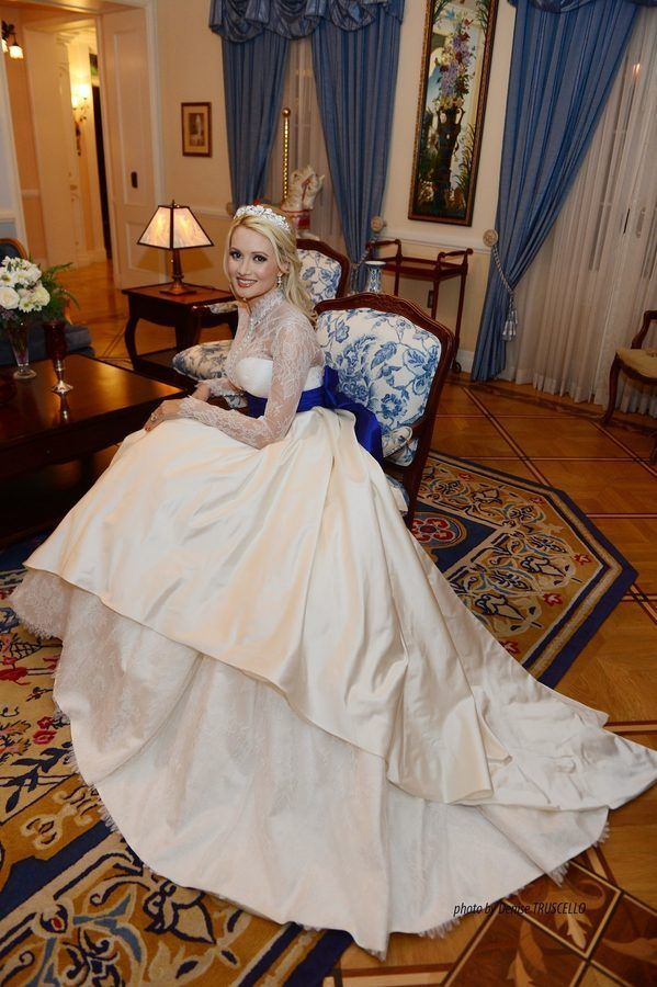 Get Up Close And Personal With Holly Madison S Wedding Gown Disneyland Wedding Madison Wedding Holly Madison