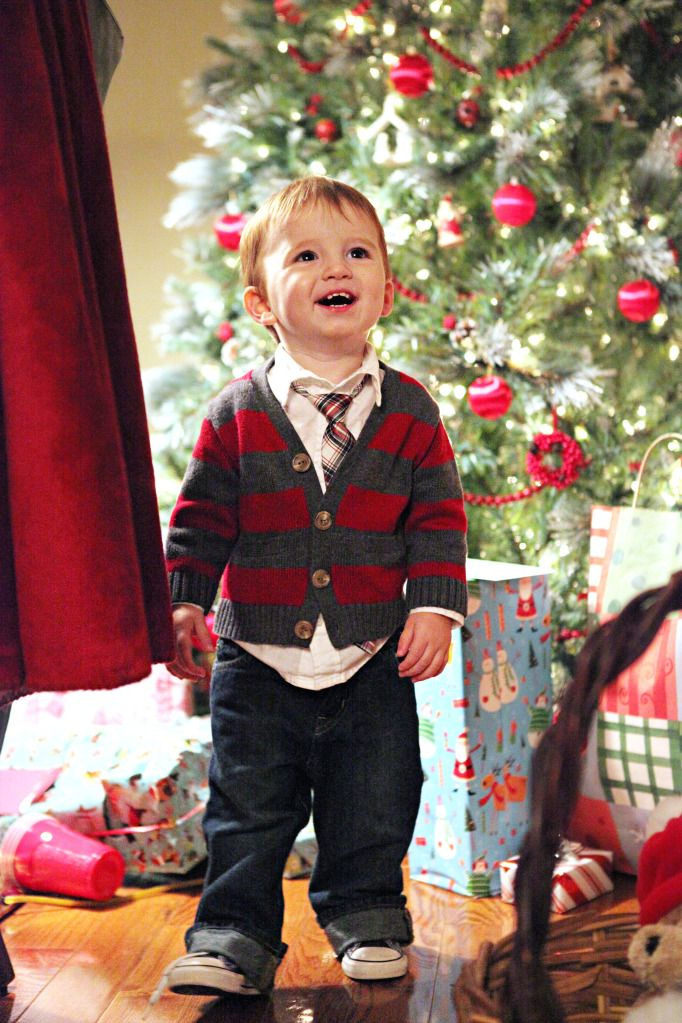 the cutest Christmas outfit for boys! even for a grown man, in a bigger  size of course :) Love Miss Katie's blog!! - The Cutest Christmas Outfit For Boys! Even For A Grown Man, In A
