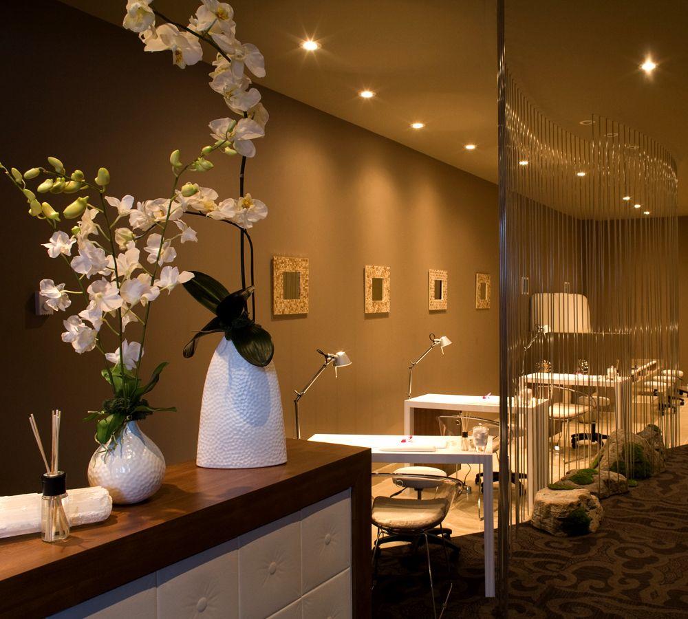 Spa Bedroom Decor: Pedicure Manicure Spa Treatment Room Design Interior