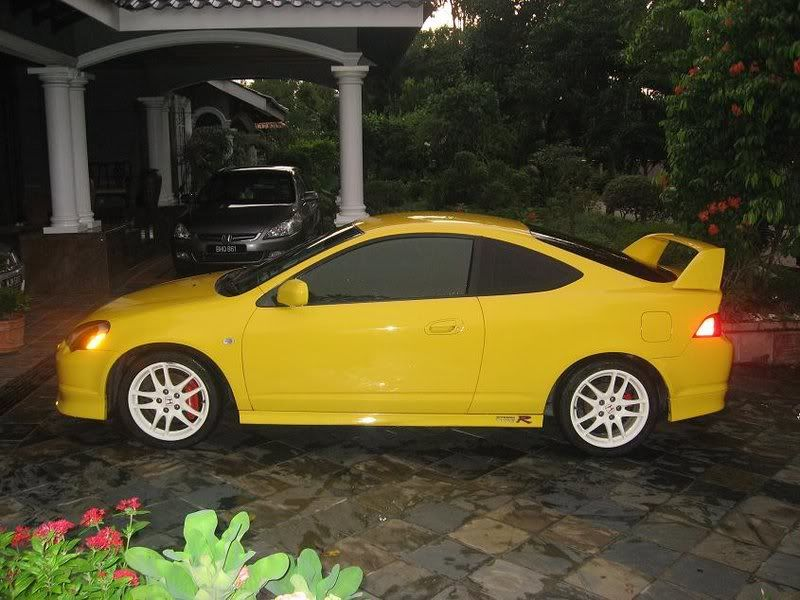 Yellow, with white rims. RSX. want. | Japanese cars, Honda ...