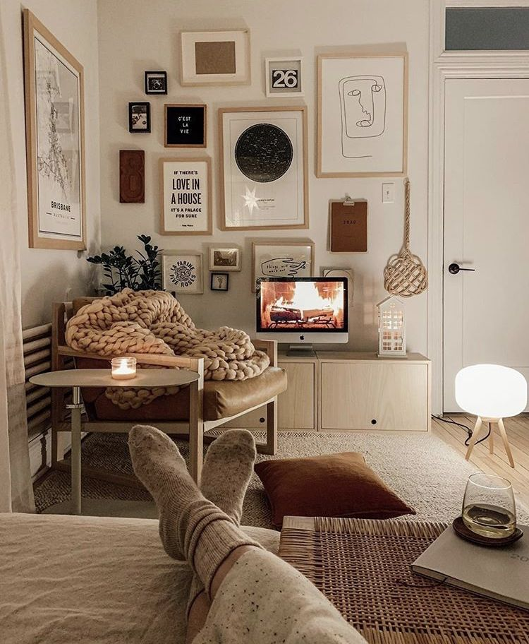 Living Room Staging Ideas: Pin By Liz F On Apartment Therapy In 2020