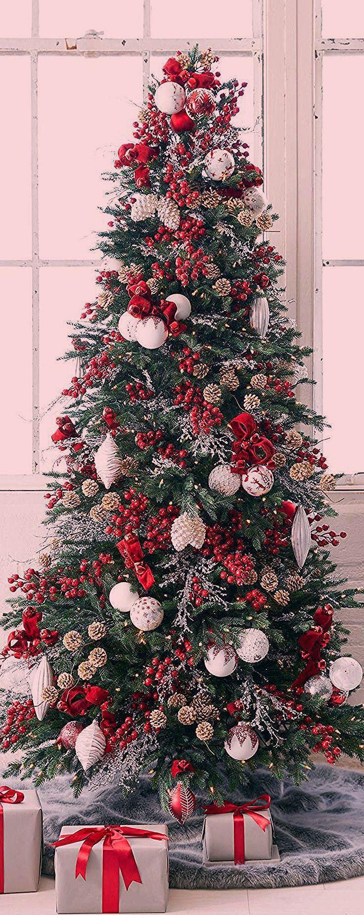 Gorgeous Christmas Tree | Country Christmas Decorating Ideas #christmas #christmastree #christmasornaments #howtoputribbononachristmastree