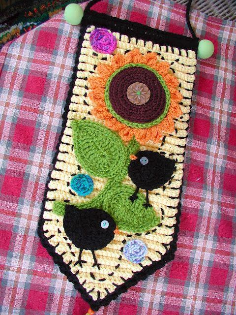 Beautiful crochet wall hanging from Fiddlesticks & Beautiful crochet wall hanging from Fiddlesticks | Crochet Art ...