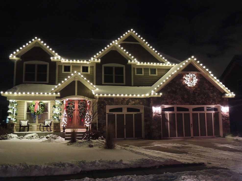 All Is Bright Lighting Residential Christmas Lighting In Mn