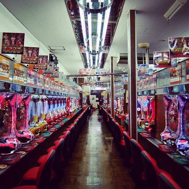 パチンコあたりや  #山谷 #ドヤら部 #ドヤ街 #tokyo #japan #japanese #パチンコ #パチスロ #pachinko #doraebon_pachinko (by doraebon)