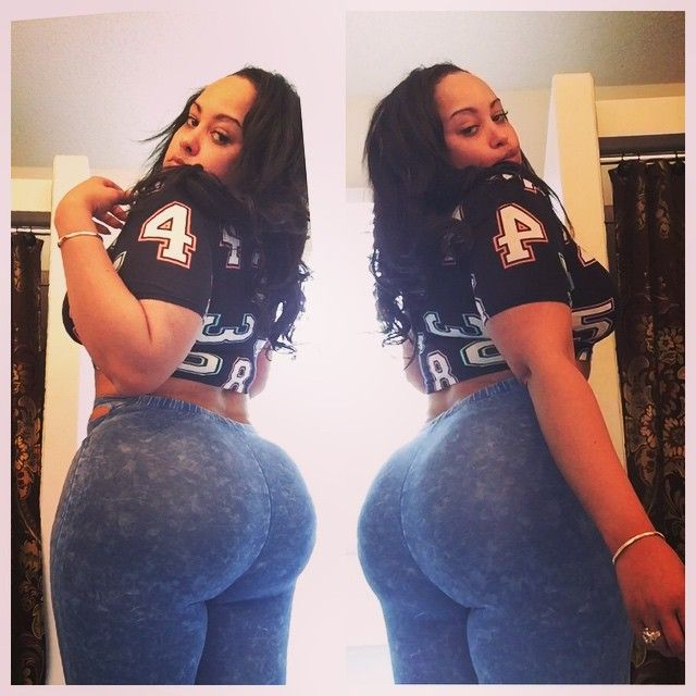 Light Skin Big Booty Twerk
