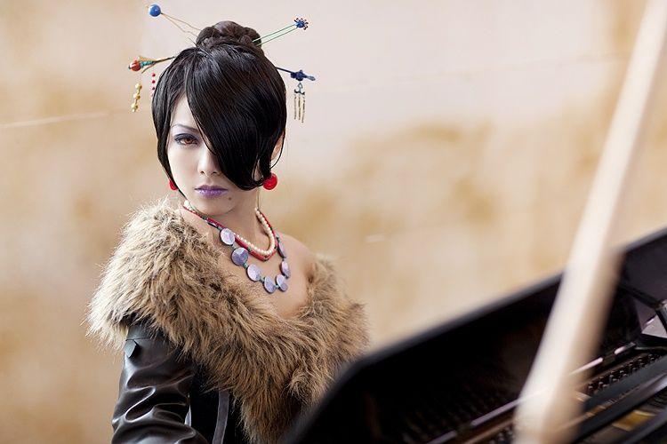 Lulu (Final Fantasy X) cosplay