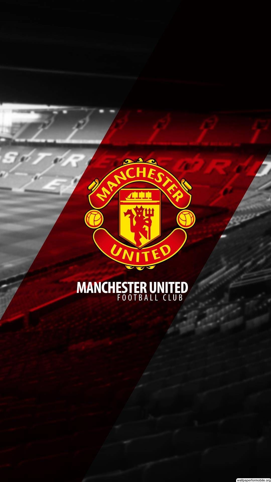 Pin By Tarek Saeed On Mu Manchester United Wallpaper Manchester United Logo Manchester United