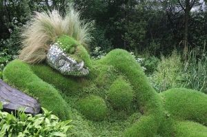 The Goddess is everywhere! Grass Woman Exhibit at the Chelsea Flower Show (May 2006) by elva