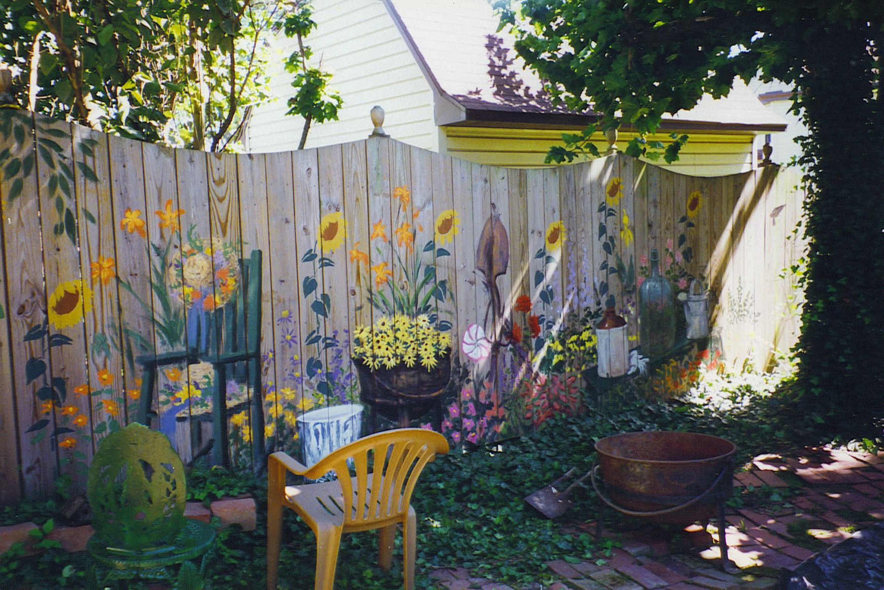 Backyard Painted Fences Dave Naydock 1320 West