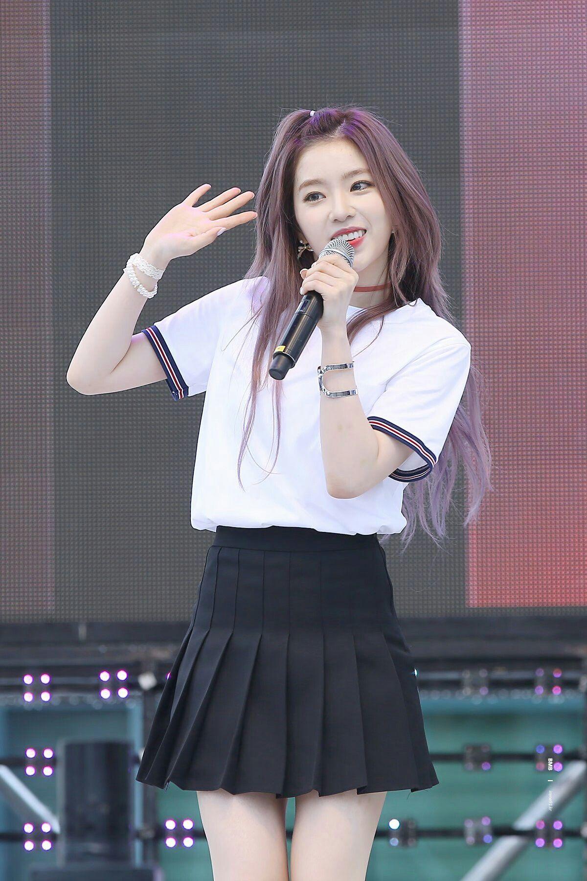 Hasil gambar untuk Pleated Mini Skirt artis korea
