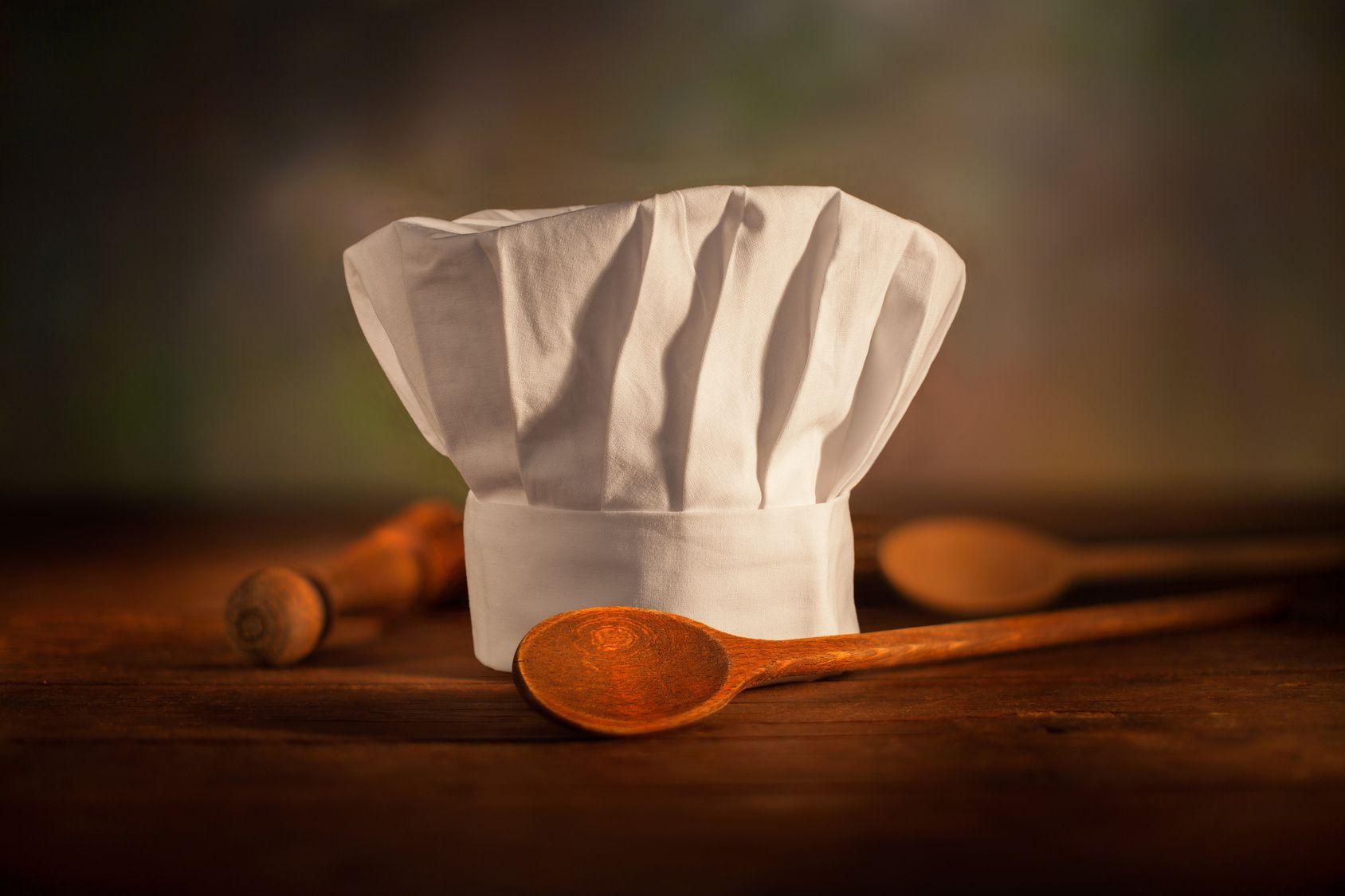 Ce soir une recette parfaite pour après les fêtes, une soupe détox verte. https://www.hervecuisine.com/recette/recette-soupe-detox-minceur/
