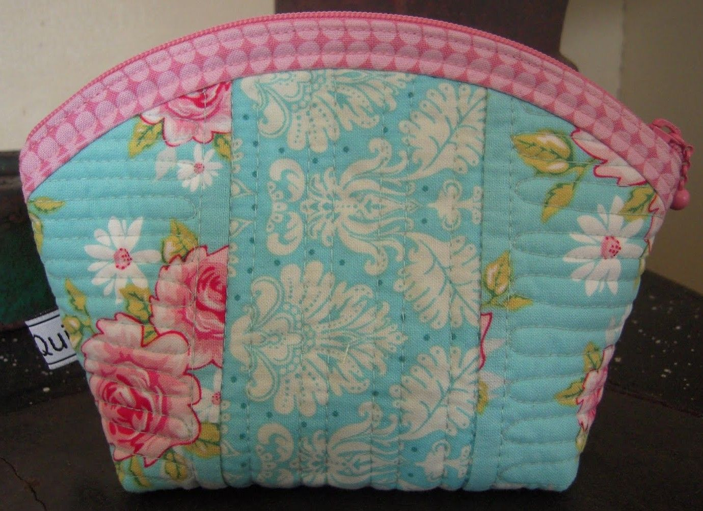 Sweet Shabby Quilted Pouch - Free Tutorial