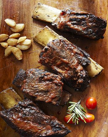 Scrumptious Short Ribs On The Grill Recipe Grilled Beef Short Ribs Beef Short Rib Recipes How To Cook Ribs