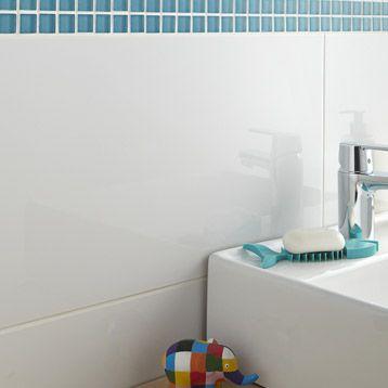 Carrelage mural en fa ence blanc brillant x for Carrelage mural blanc brillant 30x60
