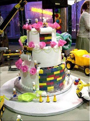 not my dream wedding cake, but a clever idea.