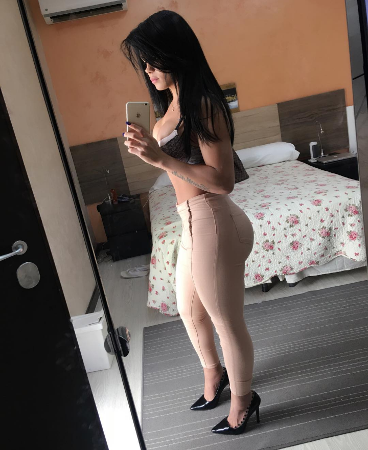 live with French mature analsex outgoing, fun and