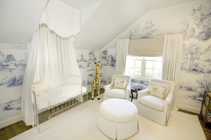 Babybett Mit Himmel, Babyzimmer In Weiß Und Blau Einrichten Und Dekorieren,  Ideen Für Eltern