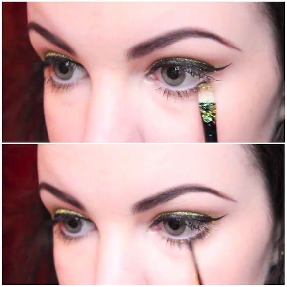 Decorar el párpado inferior con escarcha de sombra de ojos.  Crédito: makeuptutorials.com