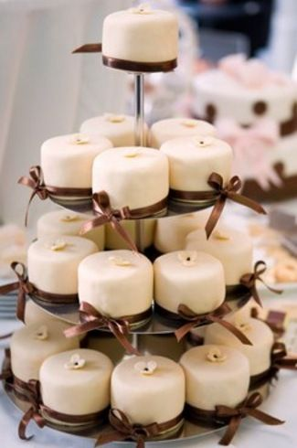 Mini Wedding Cakes with Brown Bows