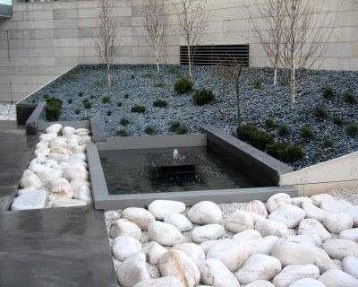 Piedra decorativa bola blanca de rio para jardin sustrato for Piedras decorativas para jardin