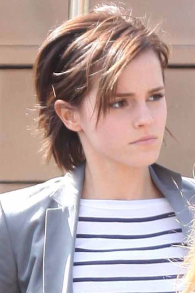 Short Hairstyles For Growing Your Hair Out In 2020 Emma Watson Short Hair Emma Watson Hair Growing Out Hair