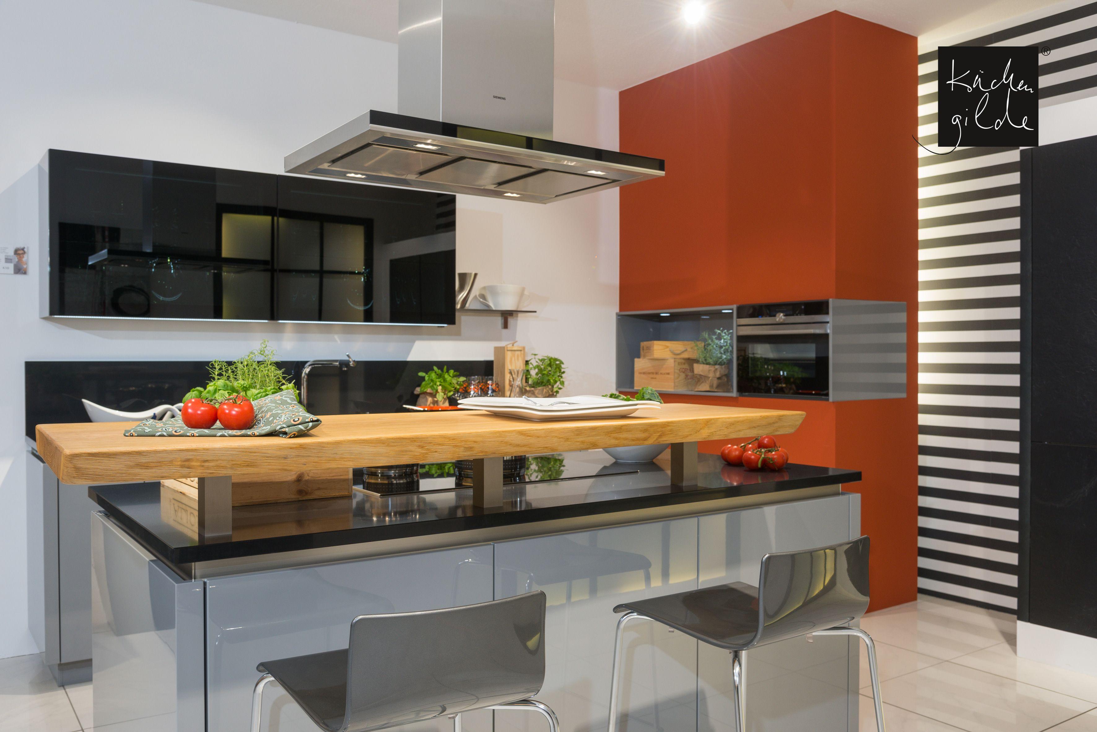 Moderne Kochinsel in Hochglanzoptik | Moderne Küchen | Pinterest