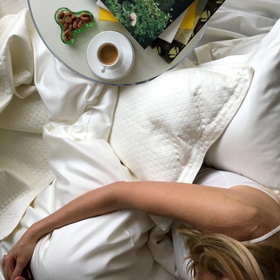 Февраля, картинка с кофе в постель