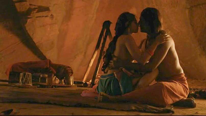 girl-indonesian-naked-movie-scenes-short