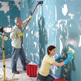 The Best Way To Remove Wallpaper The Family Handyman Personally I Think Dif If Wallpaper Is Coming Off In Pieces Removable Wallpaper Old Wallpaper Wallpaper